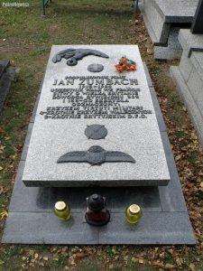 Jan_Zumbach_-_Cmentarz_Wojskowy_na_Powązkach_(133)