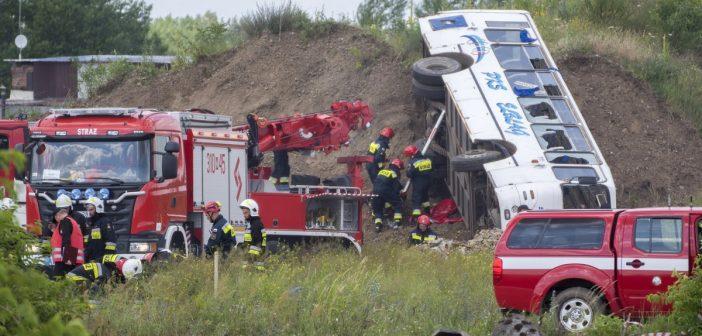 Na Płock spadł samolot, który… zmienił się w autobus. Wielkie ćwiczenia służb