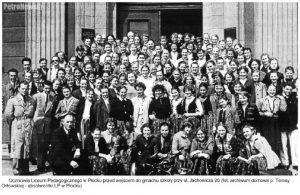 """Źródło: """"Dzieje Liceum Pedagogicznego w Płocku"""", Ewa Wiśniewska, Notatki Płockie 43/3-176, 20-28"""