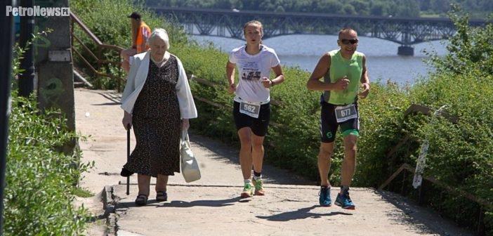 Pływali, jeździli, biegali – finał ogólnopolskich zawodów Garmin Iron Triathlon w Płocku