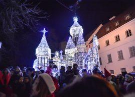 W Płocku powstał pałac Królowej Śniegu [FILM]
