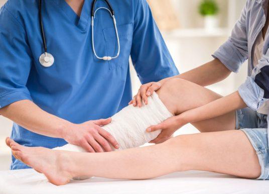 Błyskawiczny pobyt na oddziale po operacji, zakażenie i ból. Relacja pacjentki płockiego szpitala