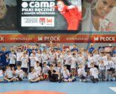 Dzieci uczyły się piłki ręcznej z mistrzem